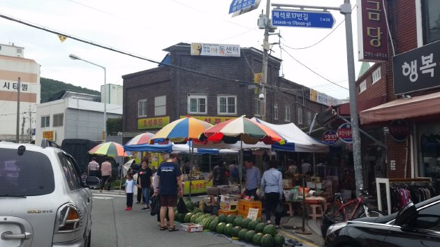 下端五日常設市場の一角(2018年7月撮影)