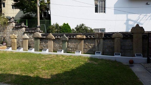 殉節した人たちの石碑(2018年10月撮影)